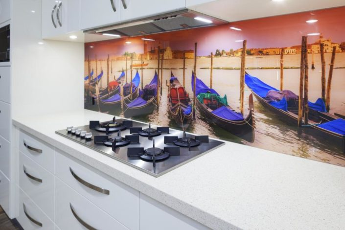 custom design glass kitchen backsplash