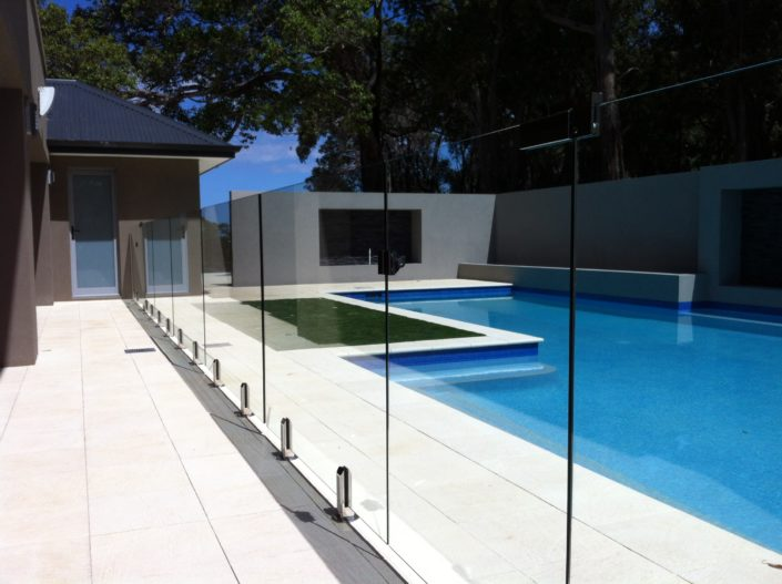 glass pool fence new york