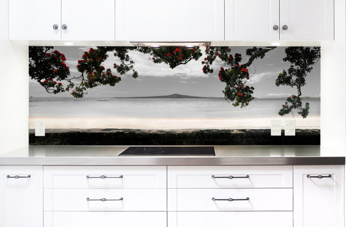 glass backsplash for kitchen